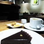 カカオストア - タルトショコラ、コーヒー
