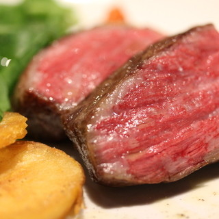 東京都産黒毛和牛A4/A5秋川牛一度食べたら忘れられない!