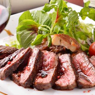 お肉好きにはたまらない!国内最高のA5黒毛和牛炭火焼ステーキ