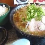 42461120 - 豚そば(750円)