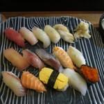 魚たつ - 限定10食15貫で800円