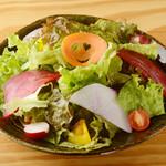 三浦野菜のたっぷりサラダ
