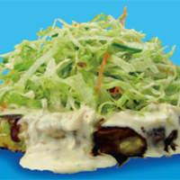 お好み焼き てまり - これからの暑い季節にぴったりです、海鮮とタルタルソースと野菜のハーモニー