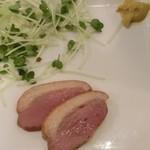 42491822 - すぐ出せるメニューから、鴨ロース。食べてから撮影したので、もっとありましたよ。270円(税抜)