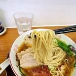 42496916 - 風味豊かな麺。