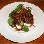 4253717 - 子羊とジャガイモの焼き物