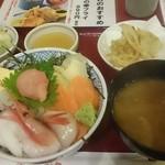 42531368 - 北海海鮮丼 ¥890- 2015.10.1