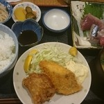 登じま屋 - お刺身、鯛フライ、鶏の唐揚げ定食