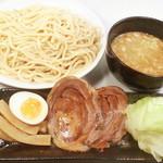 まる勝 - 【NEW】牛こく煮干つけ麺980円