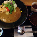 42559000 - ランチの白味噌で使った湯葉と京野菜のカレー