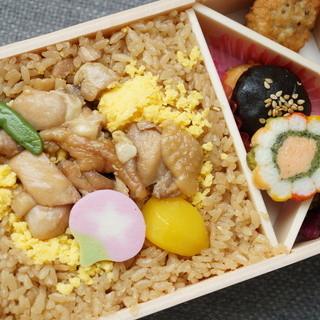 花善 - 料理写真:鶏めし弁当(880円)