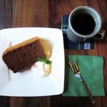 白檀 - ココアシフォンケーキ、深煎りコーヒー