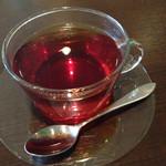 ダイニングバー リーフ - 紅茶のカップ&ソーサーが耐熱ガラスで、オシャレでした。