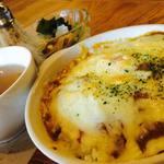 コネクテッド コネクト - 焼きカレーセット(サラダ、スープ付)¥780