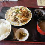 食堂 満八 - 野菜炒め定食