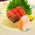 お食事処あやの - お造り(マグロ・サーモン・鯛)