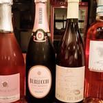 ラ・ルーチェ - ドリンク写真:季節に合わせてワインを変えております。