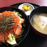 あさしお丸 - 海鮮親子丼1450円