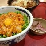 42587919 - えんがわのユッケ丼(ごはん少な目)と唐揚定食(9/3)