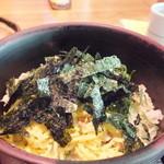 味亭 山崎屋 - 焼いた鯛で炊いたご飯