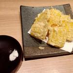 42589095 - トウモロコシの天ぷら