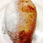 ノスタルファブリック - 料理写真:オレンジピールとクルミのライ麦パン@230円