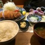 42592249 - 特製ロースかつ定食(ご飯大盛)【料理】