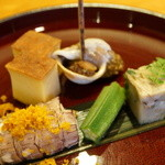 日本料理 たかむら - 料理写真:先付:しゃことからすみ、おくら、螺貝、玉子焼きなど