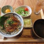 離島キッチン - 寒シマメ漬け丼(イカの漬け丼) 1080円