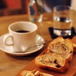 カフェ テルヴェ - 天然酵母パン