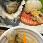 離島キッチン - 三年牡蠣とひおうきがい