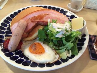 ハナミズキカフェ 八戸店 - 高原パンケーキ