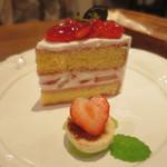 42604078 - いちごのショートケーキ