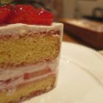42604086 - ショートケーキ(アップ)