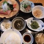 豆狸 - お刺身定食。もろっこ豆の煮ものが、美味しかったわ。