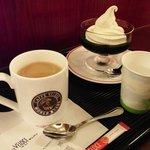 カフェ・ベローチェ - カフェオーレとコーヒーゼリー。