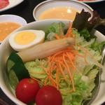 焼肉 新羅 - 野菜サラダ(¥580)