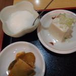 42613751 - 豆腐とザーサイと杏仁豆腐