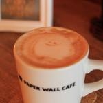 ペーパーウォールカフェ - ラテアートは、ビミョウだけど、きっとハロウィン??