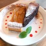 焼菓子 プラスエフ - 料理写真:信州産 白桃のタルト&ガトーショコラ
