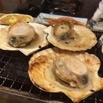 磯丸水産 - ホタテ焼き