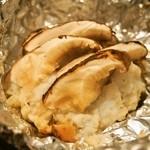 鮨座 醤の - はもと松茸のホイル焼