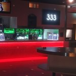 333 STANDING LOUNGE -