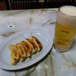 42619171 - 生ビール・餃子セット(540円)