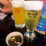 42627468 - オリオン(¥594)とゴーヤードライで乾杯! オリオンとヘリオス、沖縄の二大ビアメーカーです