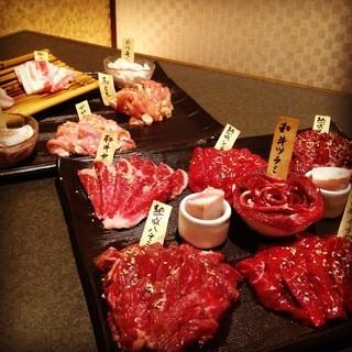 ガッツリお肉を堪能!90分飲み放題付コースが今なら3000円