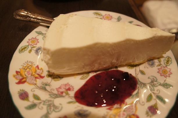 ロンドンティールーム 阪急百貨店メンズ館店 - レアチーズケーキ