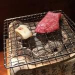 めしの助 - ヒイカとまぐろほほ肉の炙り