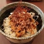 海鮮 bar isoichi - 猪(しし)丼(1000円)