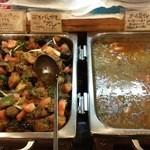 42631191 - 15.10.02 茄子とジャガイモのカレー・ダール豆カレー